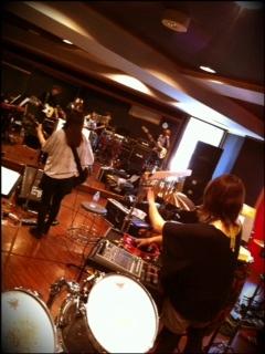 Hisashi Kondo Dokutsubo (2011.10.12) — 1309 It's Sakura-san on Percussion. 2011.10.12-Dokutsubo-1